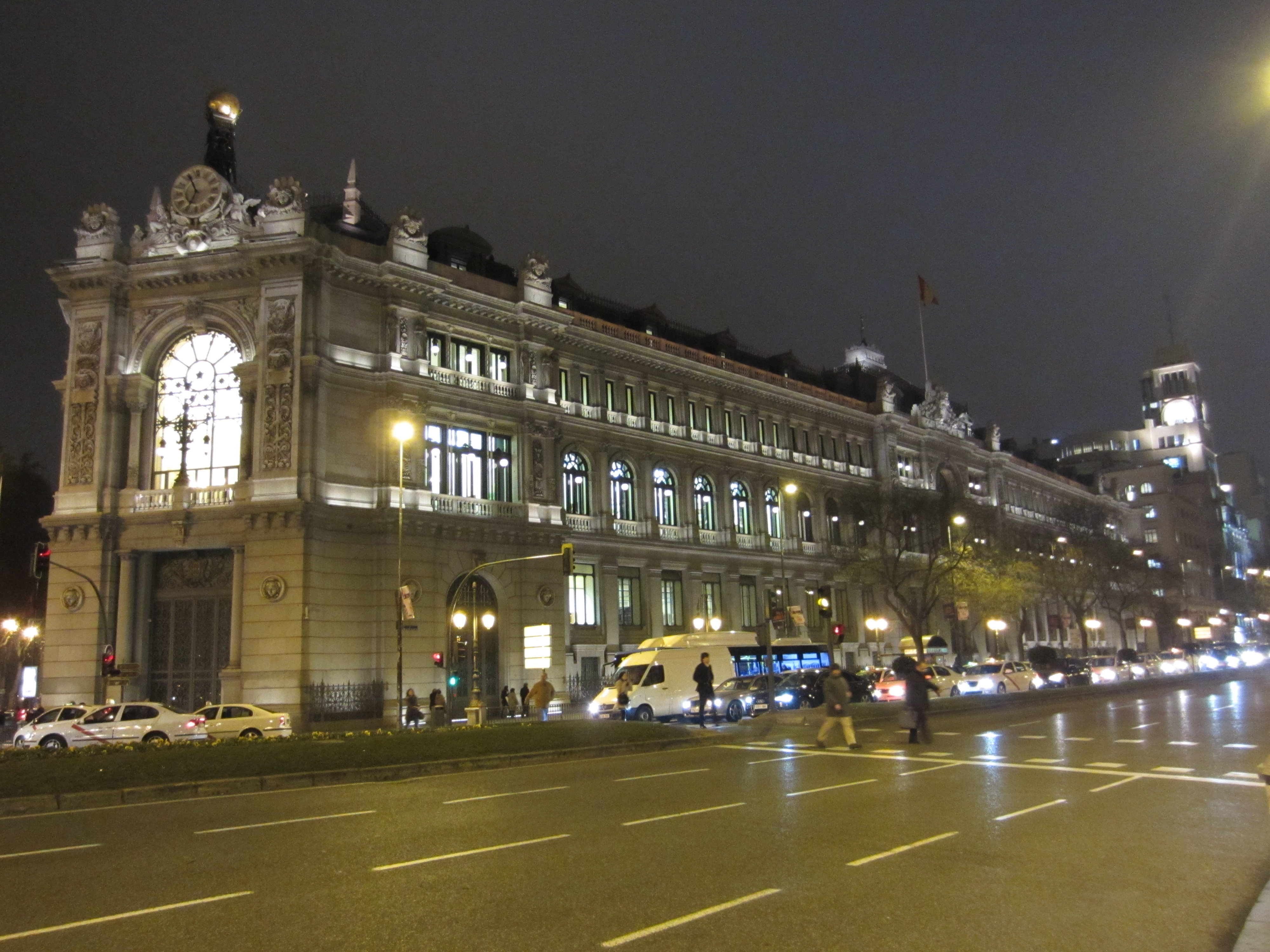 Banco de espa a un plan de acero aliapiedi por for Sucursales banco espana