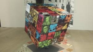 Un complicado cubo de Rubik